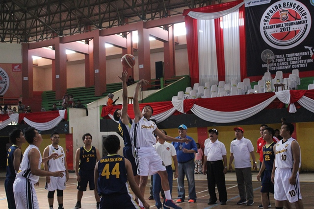 Kapolda Bengkulu Buka Turnamen Basketball Kapolda Cup di GOR Sawah Lebar