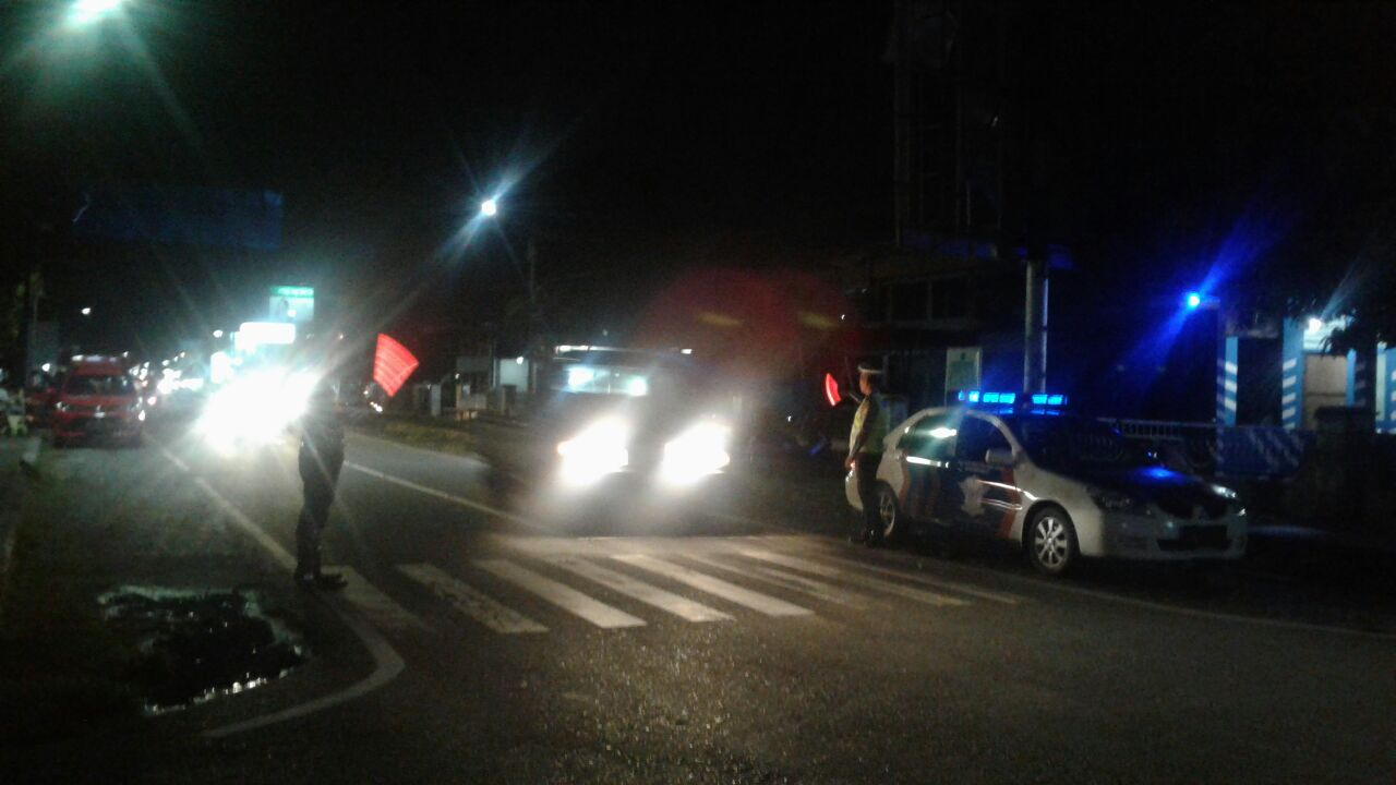 Polantas Polres Kaur Laksanakan Blue Light