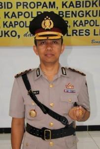 AKBP.-Bambang-Purwanto-S.IK-Kapolres-Kaur-3-203x300