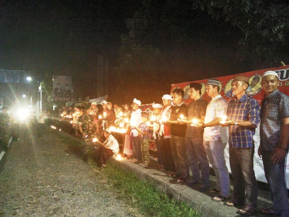 Masyarakat Bersama Polisi Gelar Doa Bersama Untuk Surabaya