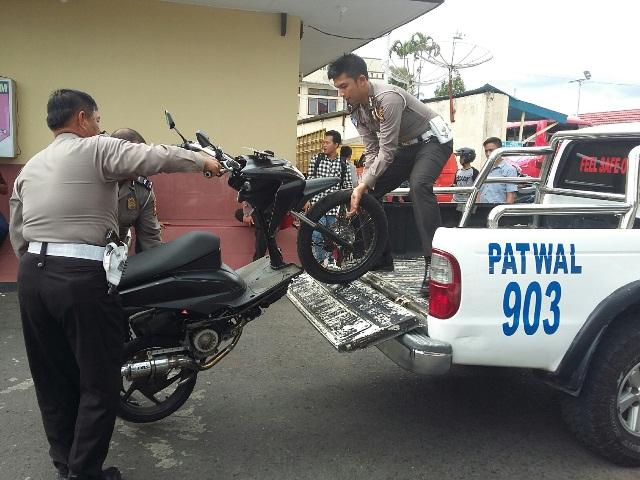 Polisi Tilang 12 Motor Knalpot Racing