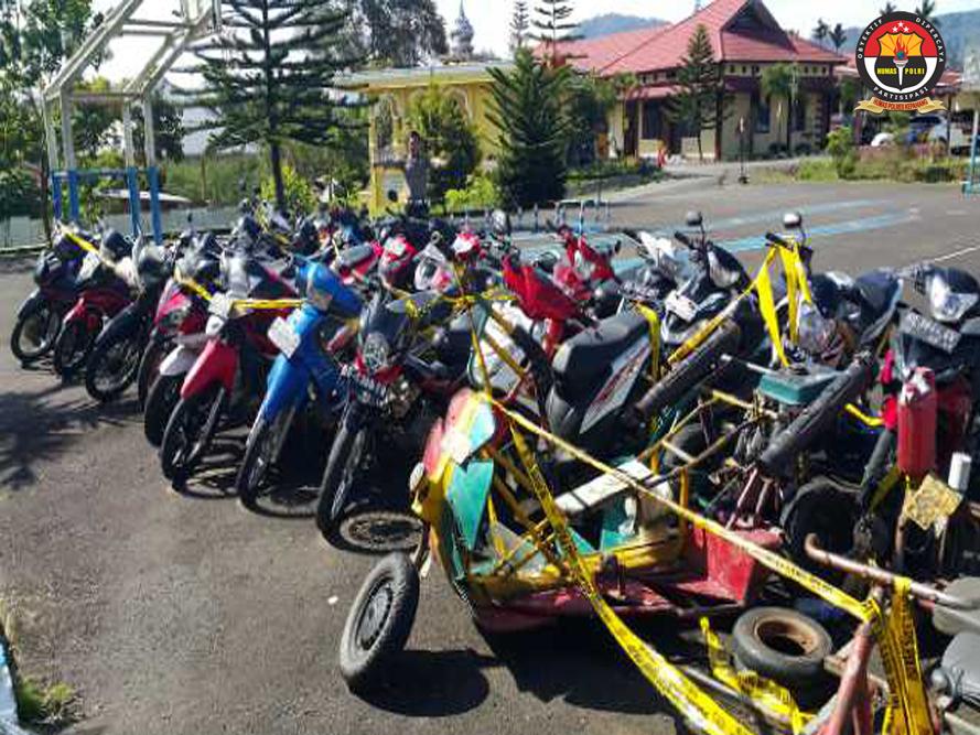 Puluhan Motor Jambrong dan Knalpot Racing Terjaring  Razia Polisi