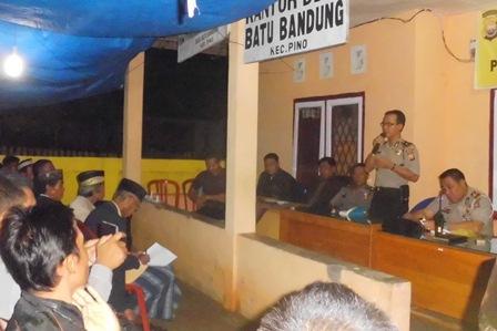 Silahturahmi Kamtibmas Wakapolres di Desa Batu Bandung
