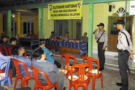 Kunjungi Desa Tebat Kubu, Kapolres Bawa Siswa SPN Bukit Kaba