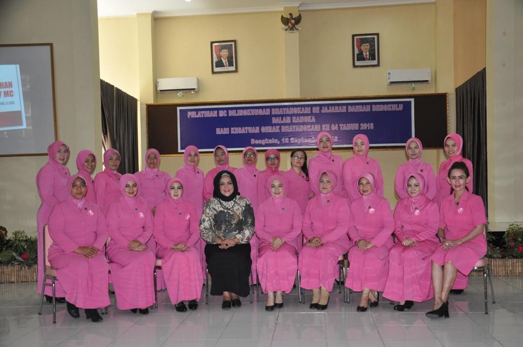 Pelatihan MC Bhayangkari Polda Bengkulu