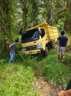 Polsek Air Besi Temukan Mobil Truk Yang dilaporkan Hilang