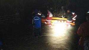 Kapolres Kaur Polda Bengkulu Pantau Lokasi Banjir