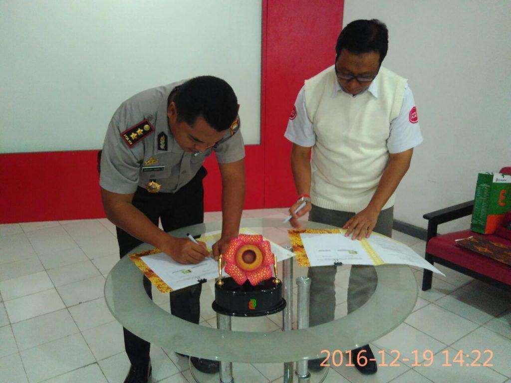 Kapolres Bengkulu bersama PT.Telkom Tanda Tangani Nota Kesepahaman
