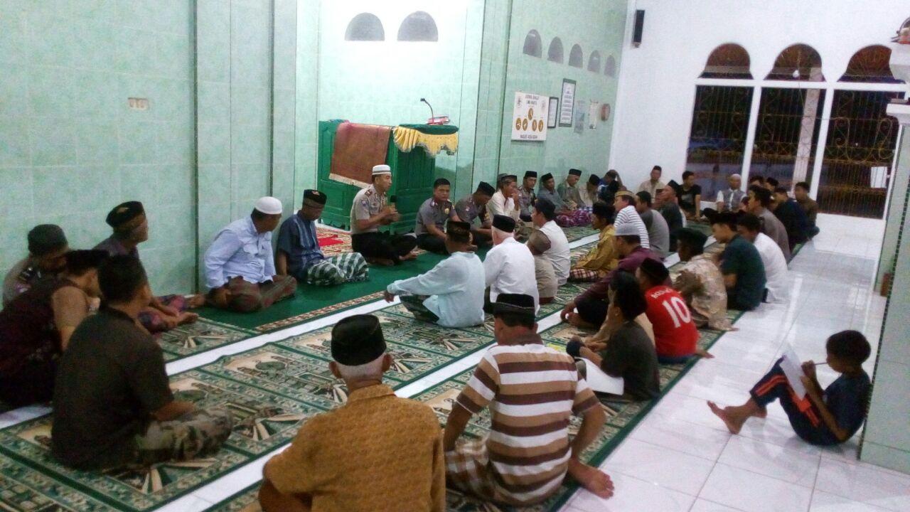 Polres Kaur Ajak Masyarakat Sholat Jamaah Di Masjid