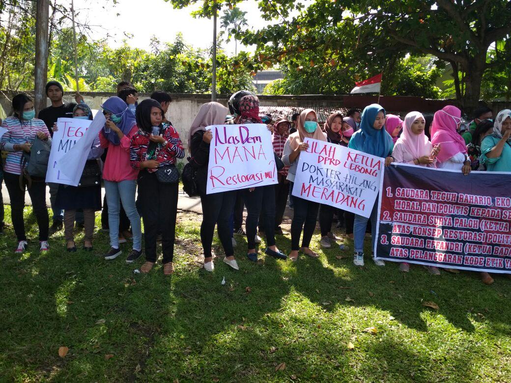 Polres Bengkulu Amankan Unra di Depan DPW Nasdem