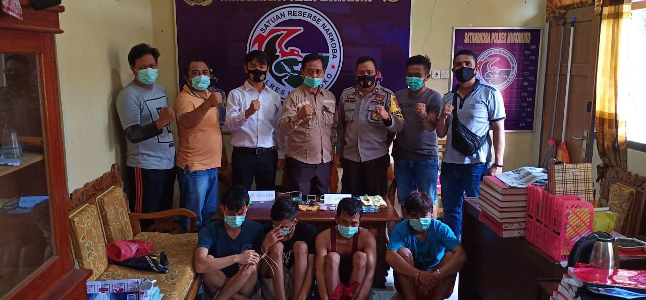 Pesta Sabu, 4 Pria Satu Desa Diamankan Polres Mukomuko