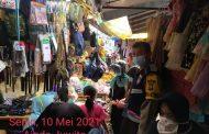 Berkeliling Pasar Muara Aman, Bhabikamtibmas Polres Lebong Himbau Prokes