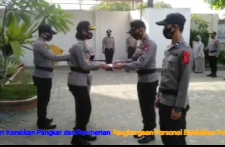 Terlibat Penanganan Covid-19 di Wisma Atlet, Kabid Dokkes dan 10 Personel Terima Penghargaan Kapolda Bengkulu