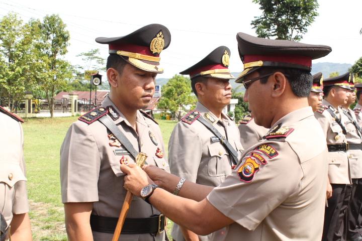 Serah Terima Jabatan Enam Perwira Polres Lebong