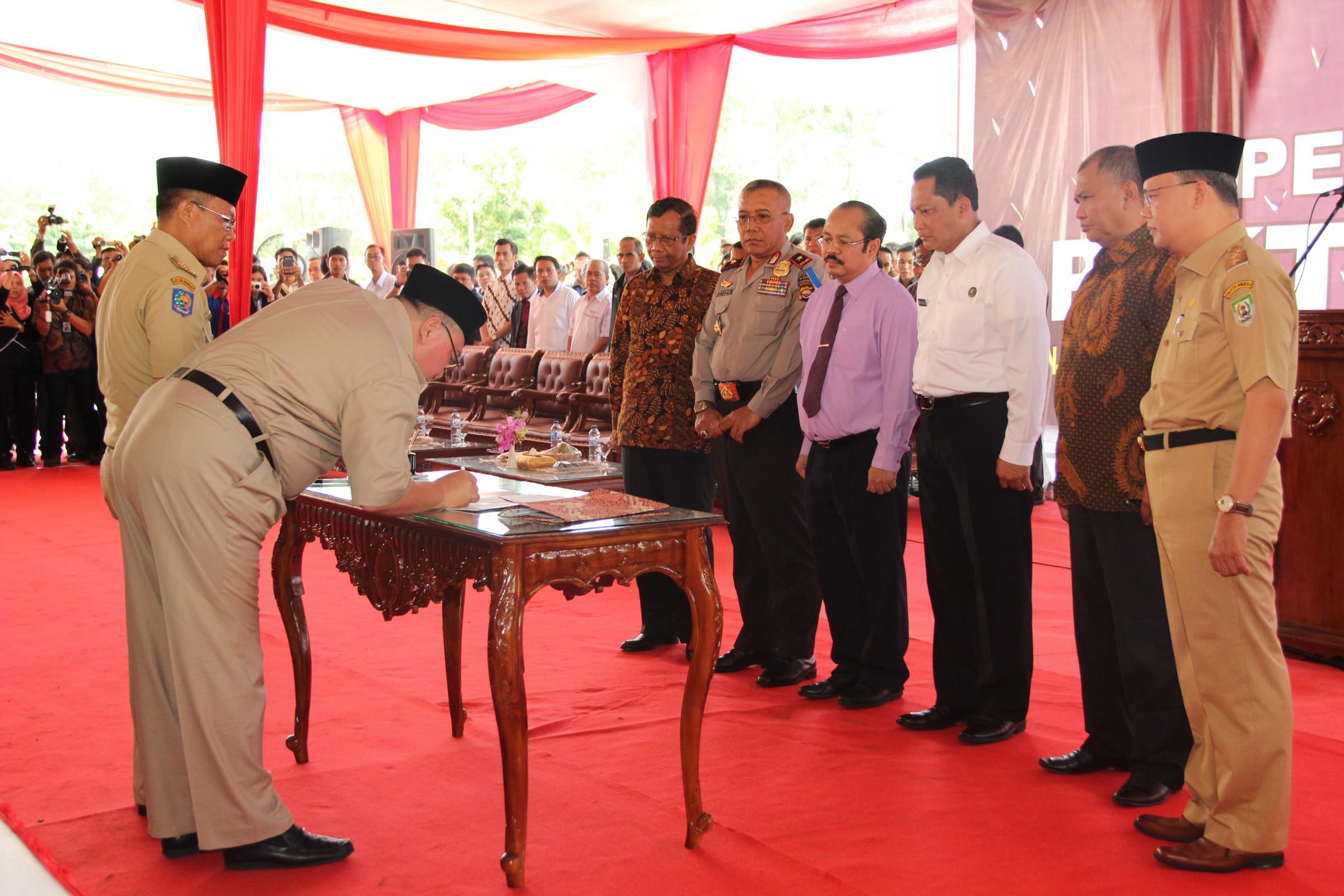 Bengkulu, Provinsi Pertama Yang Tandatangani Pakta Integritas