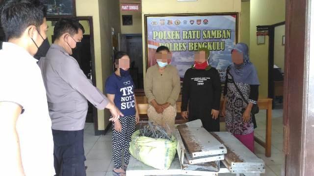 Tertangkap CCTV Curi Barang Hypermart, 4 Pemulung Ditangkap Polsek Ratu Samban