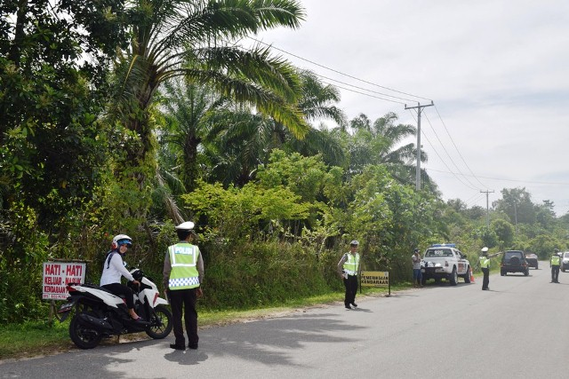 Polisi Tilang Belasan Kendaraan