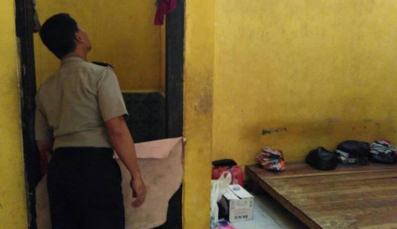 Cegah Tahanan Lari,Kabag Ops Cek Ruang Tahanan