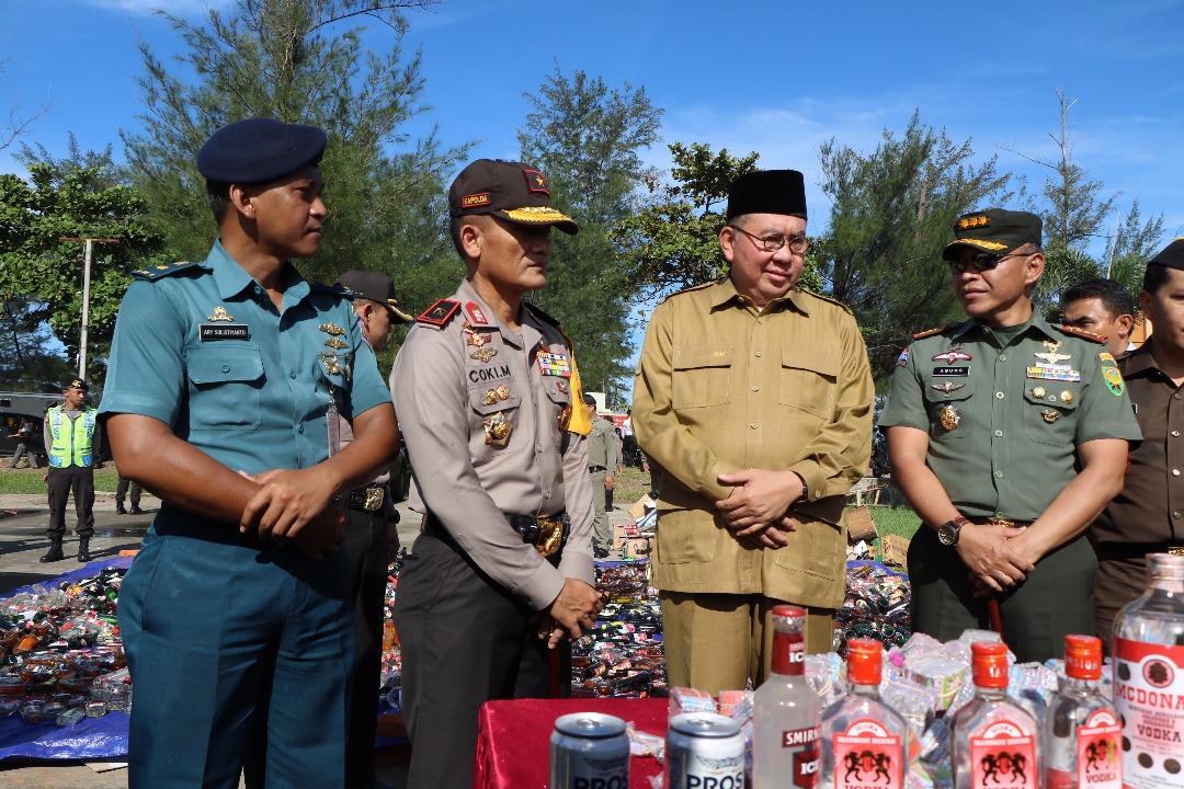 Ribuan Botol Miras di Musnahkan Polda Bengkulu