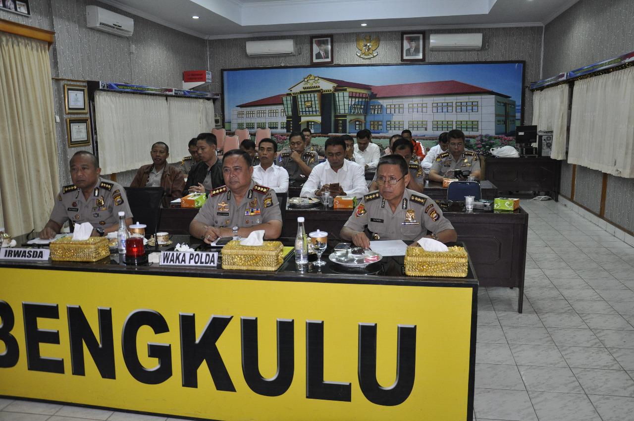 Melalui Vikon, Wakapolda Bengkulu dan Pejabat Utama Ikuti Arahan Kapolri