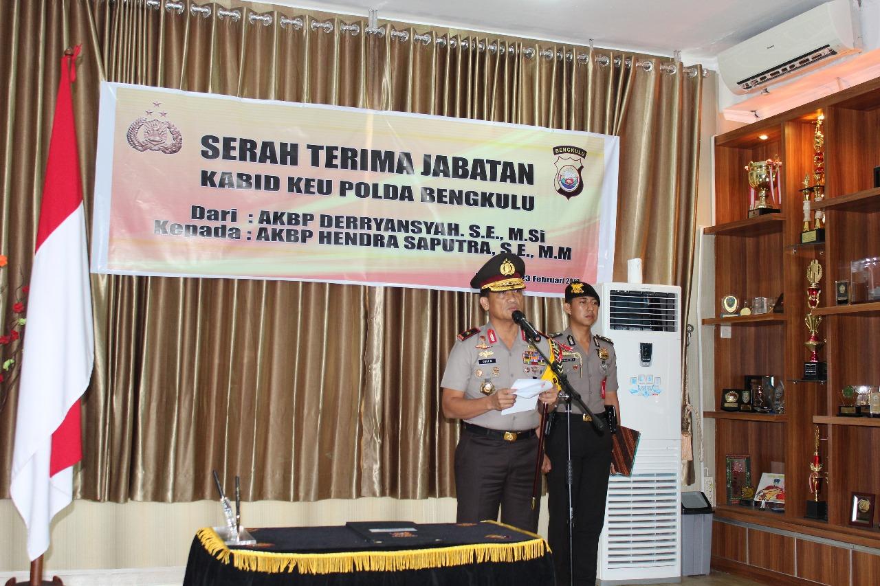 Sertijab Kabidkeu, Kapolda Bengkulu Minta Pejabat Baru Cepat Beradaptasi