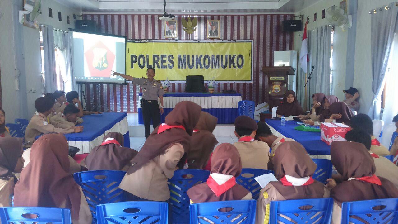 Hari Minggu, Saka Bhayangkara Polres Mukomuko Ikuti Binluh