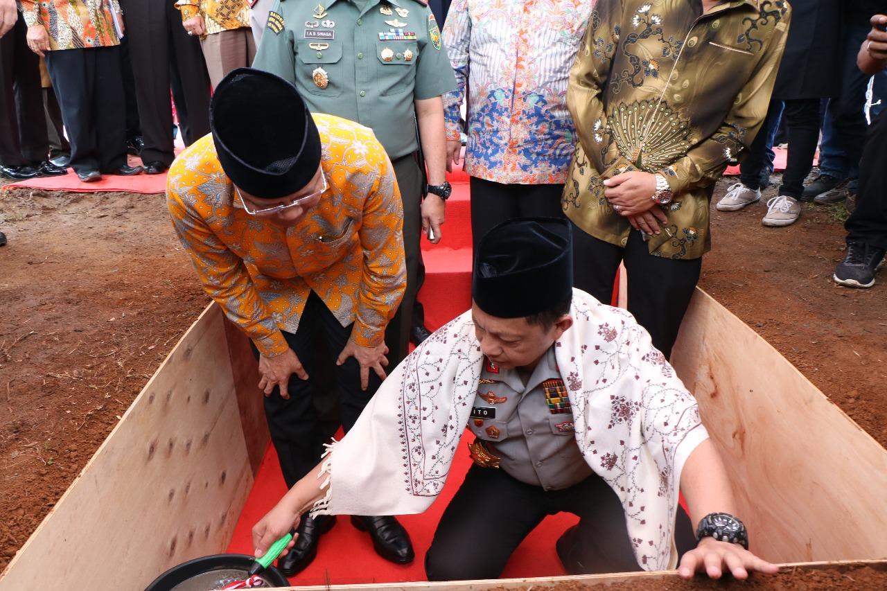 Kapolri Letakkan Batu Pertama Pembangunan Perluasan Gedung Mapolda Bengkulu