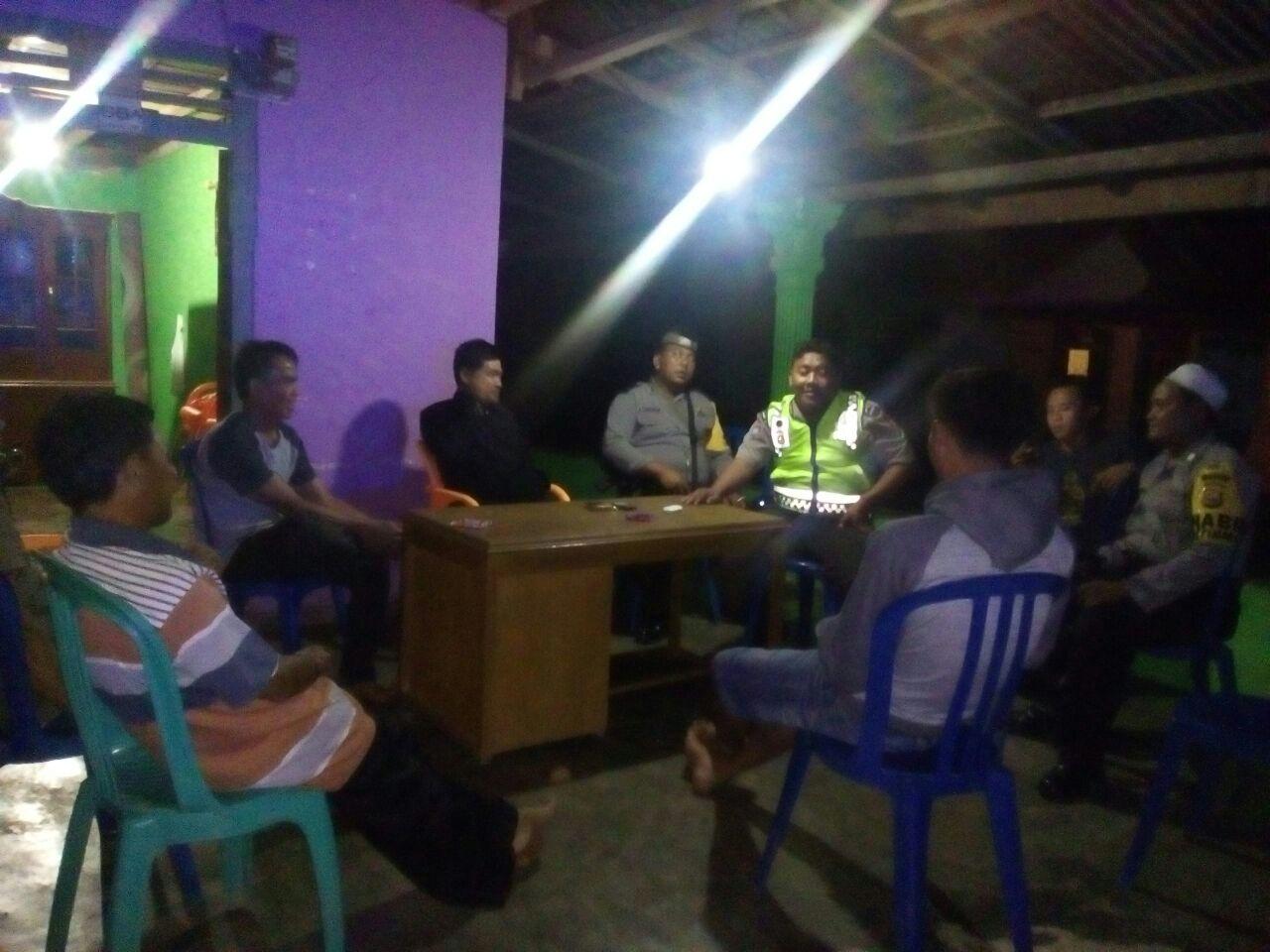 Hadiri Rapat Pembentukan Panitia Pemilihan Anggota BPD, Ini Arahan Unit Patroli Dialogis Polsek Kaur Utara