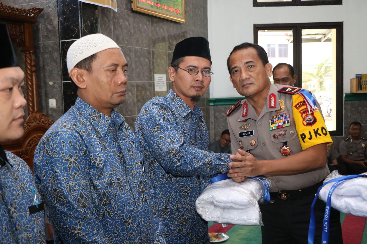 Kapolda Bengkulu Lepas Keberangkatan Umroh Gratis Imam Dan Marbot Masjid