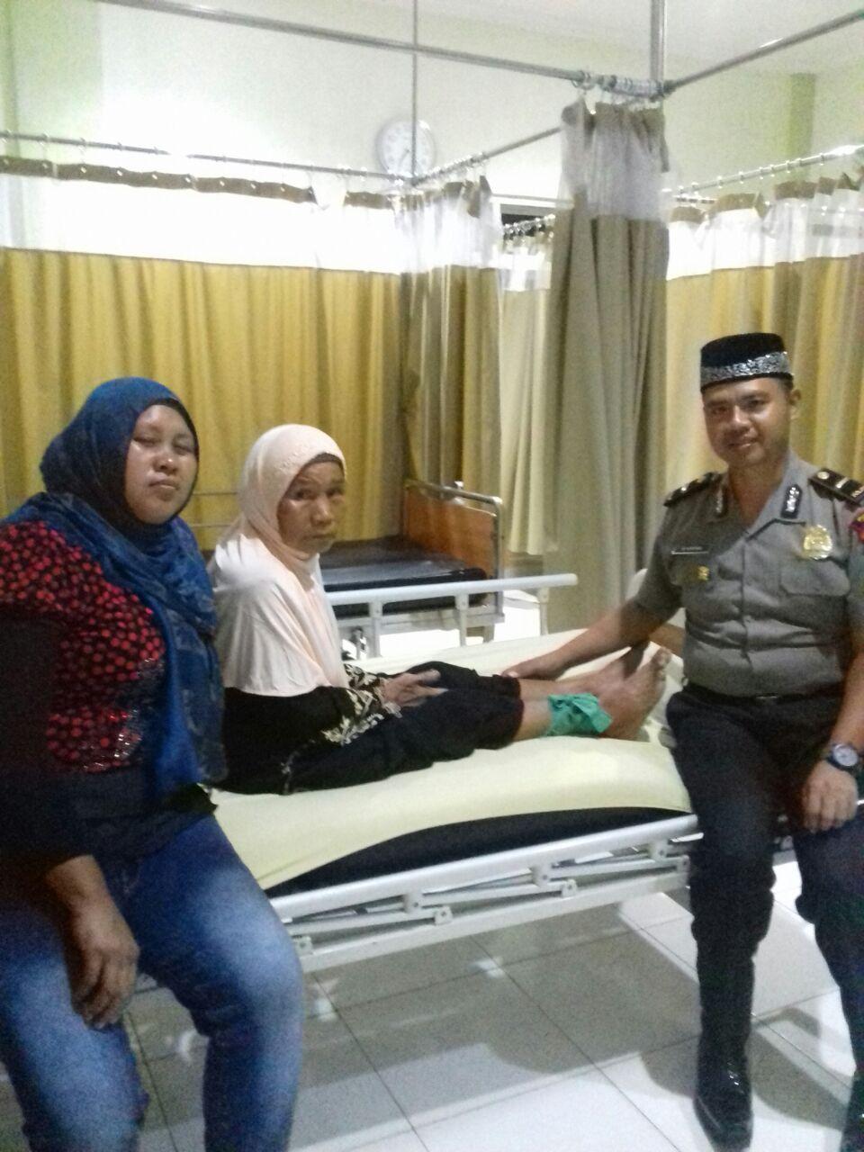 Peduli Sesama, Polres Kaur Bantu Warga Berobat ke Kota Bengkulu