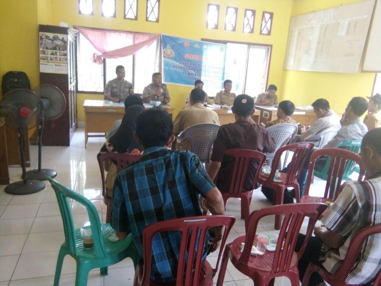 Sosialisasi Saber Pungli Polsek Kaur Utara Bersama Kecamatan Padang Guci Hilir