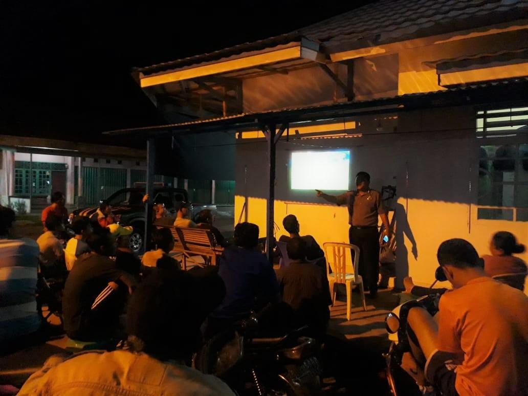 Nobar Piala Dunia, Anggota Polsek Kaur Utara Sampaikan Pesan Kamtibmas