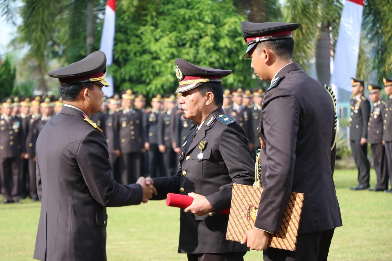 Kompol Mulyadi Terima Penghargaan Bintang Nararya Presiden RI Melalui Kapolda Bengkulu