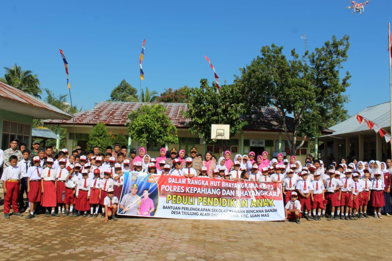 HUT Bhayangkara, Polres Kepahiang Gelar Bhakti Sosial di Sekolah