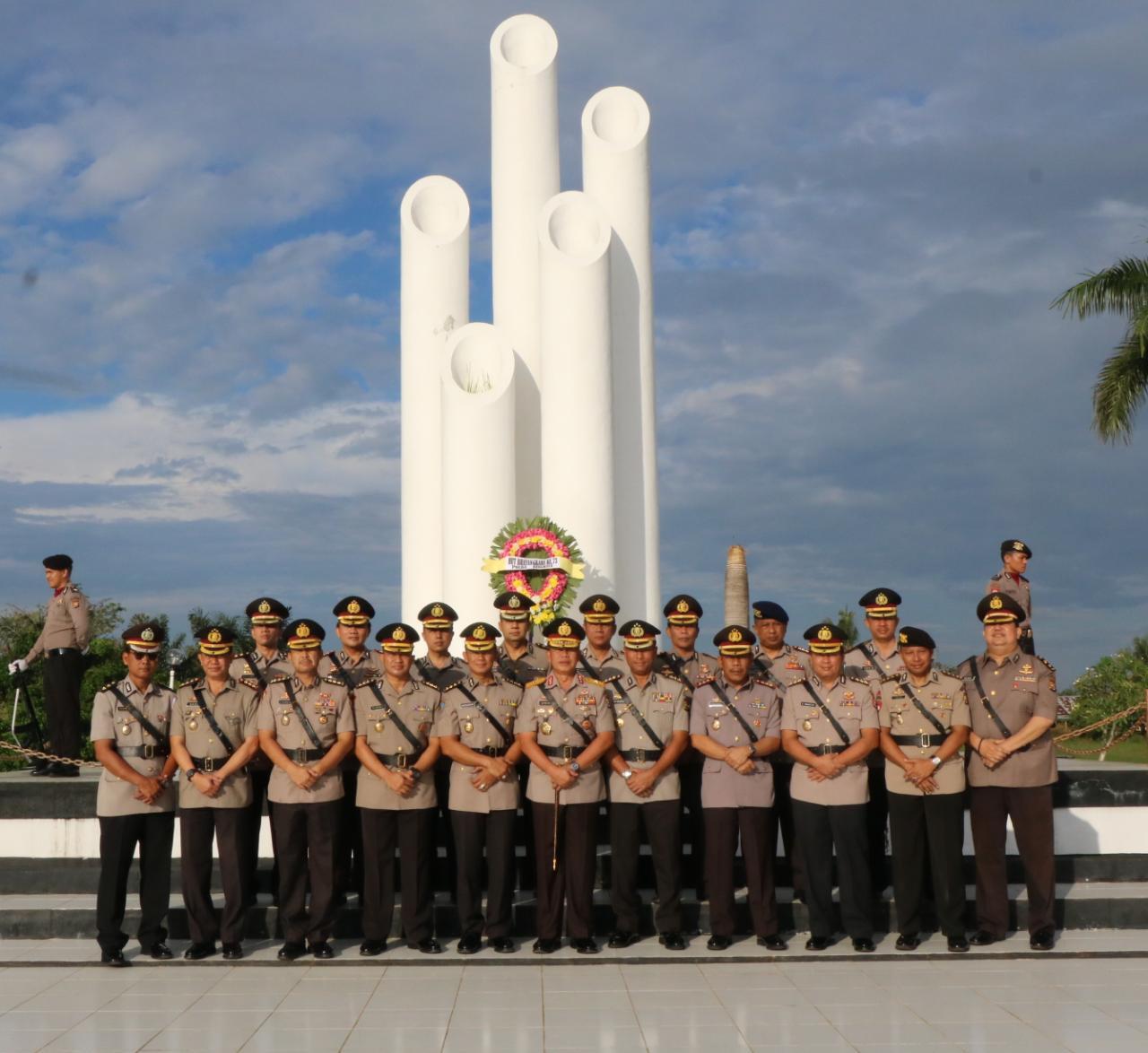 FOTO: Polda Bengkulu Ziarah TMP Balai Buntar Dalam Rangka Hari Bhayangkara Ke-73