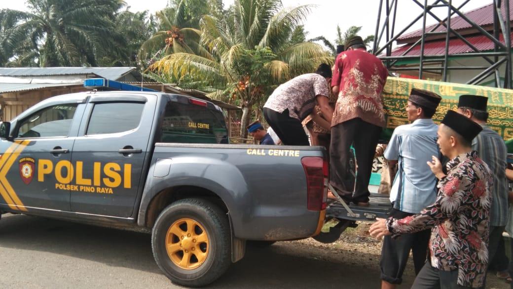 Polsek Pino Raya Layani Warga Angkut Jenazah