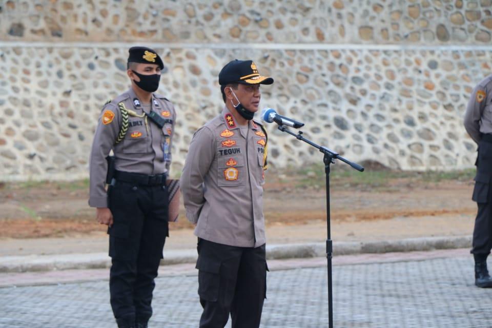 Kapolda Bengkulu Pimpin Apel Pagi Perdana di Lapangan Rekonfu