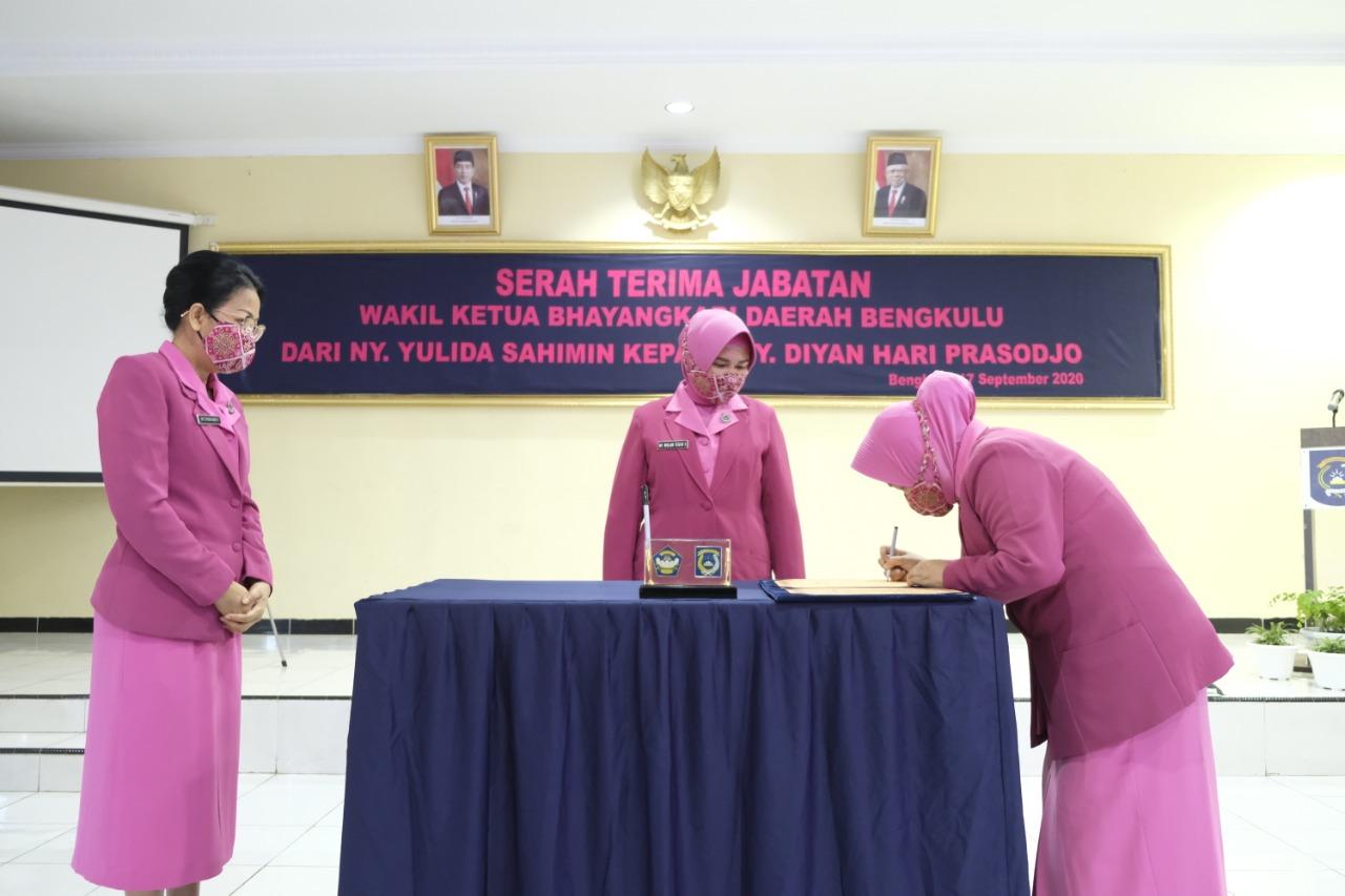 Pergantian Wakil Ketua Bhayangkari Daerah Bengkulu Seiring Pergantian Wakapolda Bengkulu