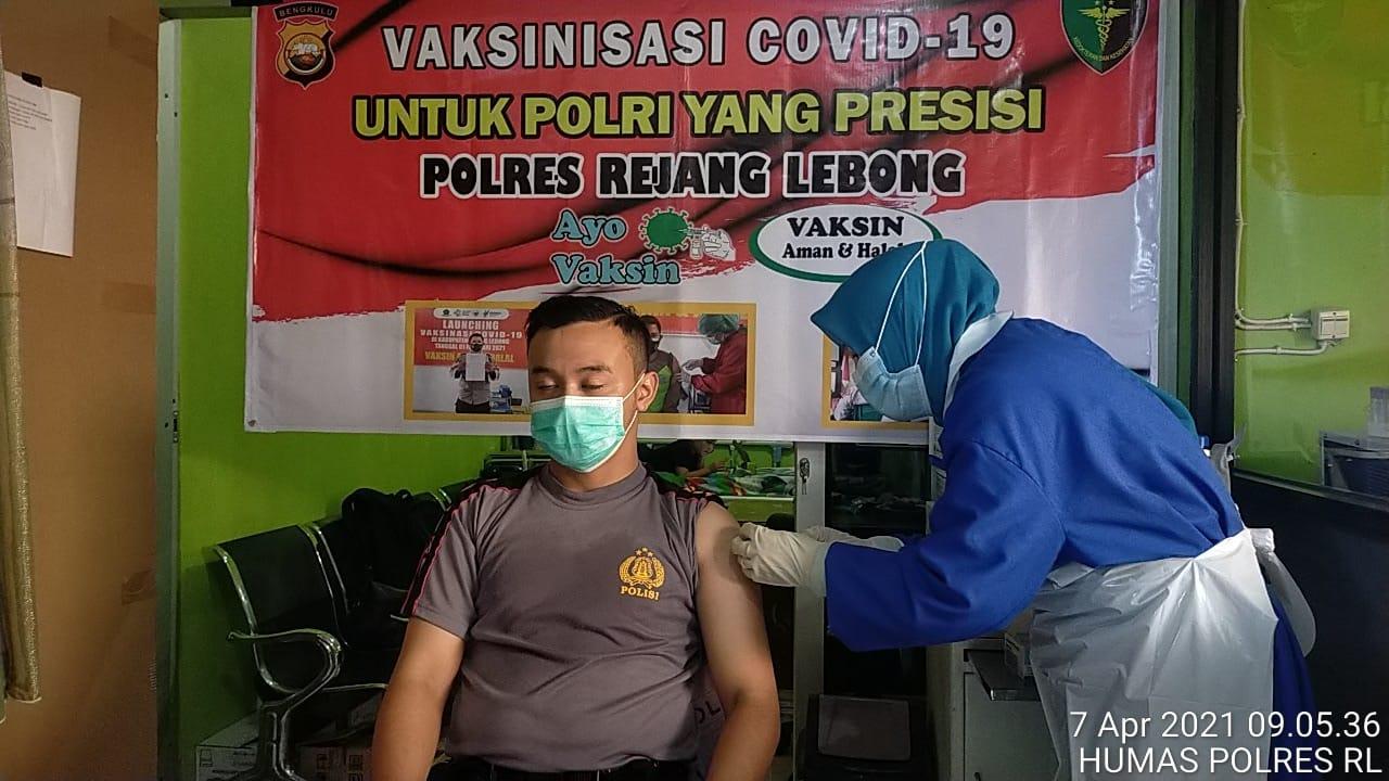 Gelombang Kedua, Polres RL Gelar Vaksinasi Dosis Pertama Bagi 200 Personil