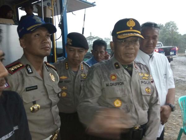 Polda Bengkulu Evakuasi Korban Longsor PT PGE di Lebong Selatan