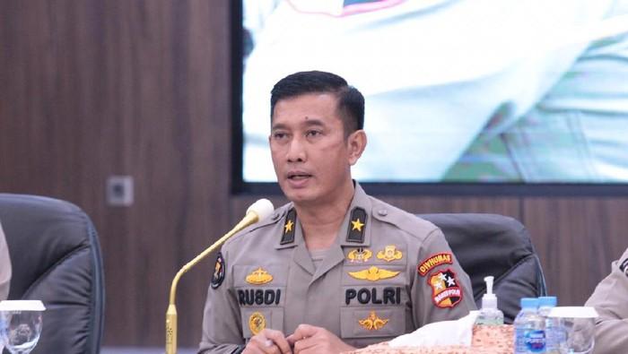 Dukung Menteri KKP, Polri Siap Awasi Kebijakan Pelarangan Ekspor Benur Lobster