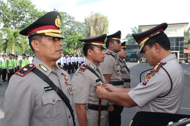 Kapolres Bengkulu Pimpin Sertijab Kasat Reskrim dan Kapolsek Muara
