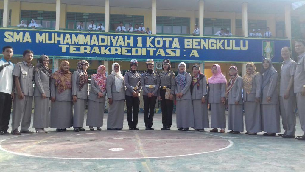 Pakor Polwan Jadi Irup Di SMA M 1 Bengkulu