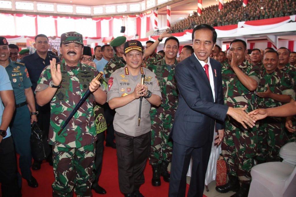 Kapolri dan Panglima TNI Dampingi Presiden RI Beri Arahan Kepada Babinsa Se-Sumatera