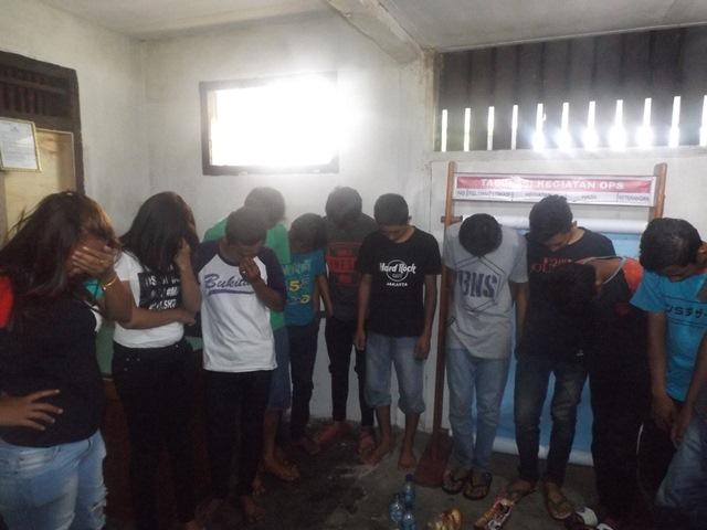 11 Pemuda dan 2 Wanita Malam Diciduk