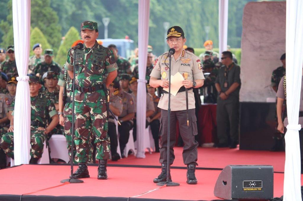 Kapolri Bersama Panglima TNI Pimpin Apel Kesiapan Pengamanan Natal, Tahun Baru dan Pemilu 2019