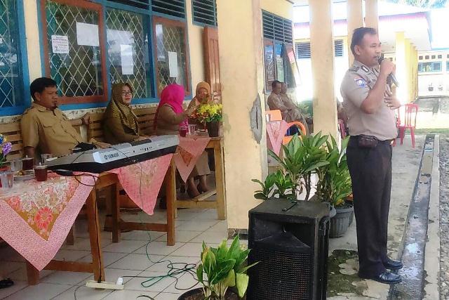 Sat Binmas Bersama Perpusda Kunjungi Sekolah