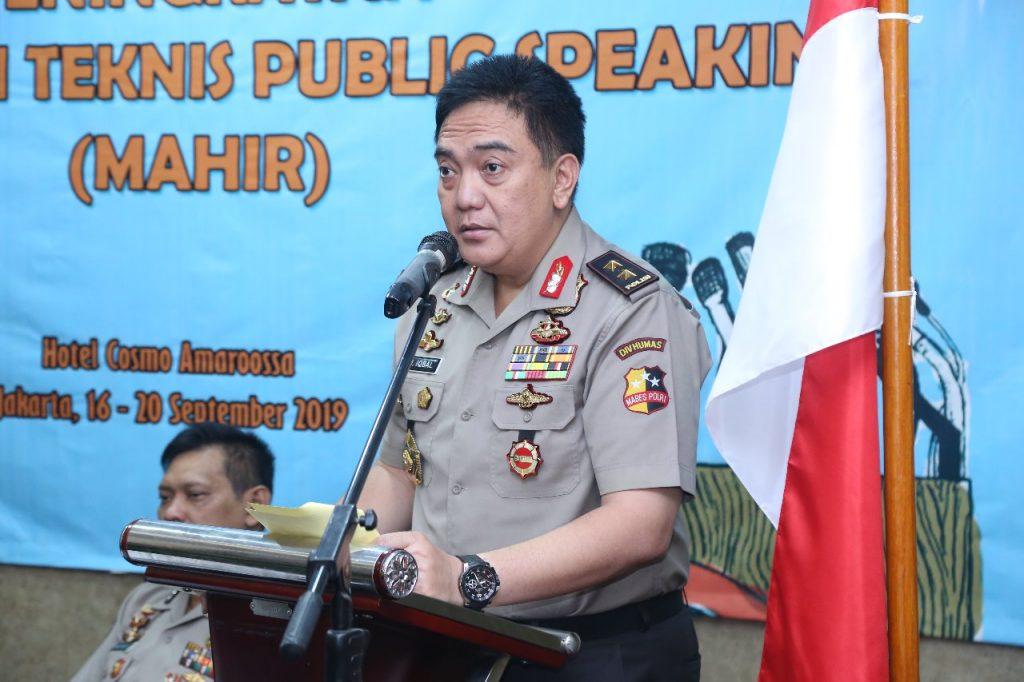 Kadivhumas Polri Tutup Pelatihan Public Speaking