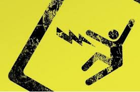 Akibat lalai Mematikan Stop Kontak Listrik, Karyawan PLN Kesetrum