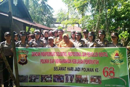 Jadi Irup dan Bagikan Sembako, Bhakti Sosial Polwan Polres Bengkulu Selatan